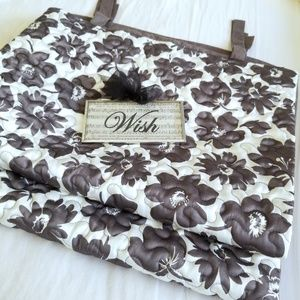 DKNY Queen/Standard Shams Grey White Floral NWOT